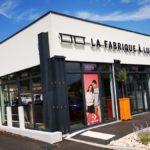 Insignia-Enseigne - La Fabrique à Lunette à Bourg-st-Andéol - Lettres rétro-éclairées - Angle Devanture
