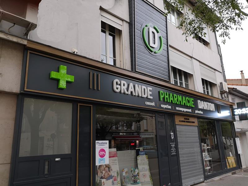 Insignia-Enseigne-facade1-phramacie-danton