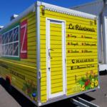 Insignia-Enseigne-cote-porte-Food-Truck-reunionnais