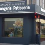 Insignia-Enseigne-habillage--facade-complete-boulangerie-larmande