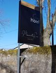 Insignia-Enseigne-panneau-hotel-Manoire-Le-Roure